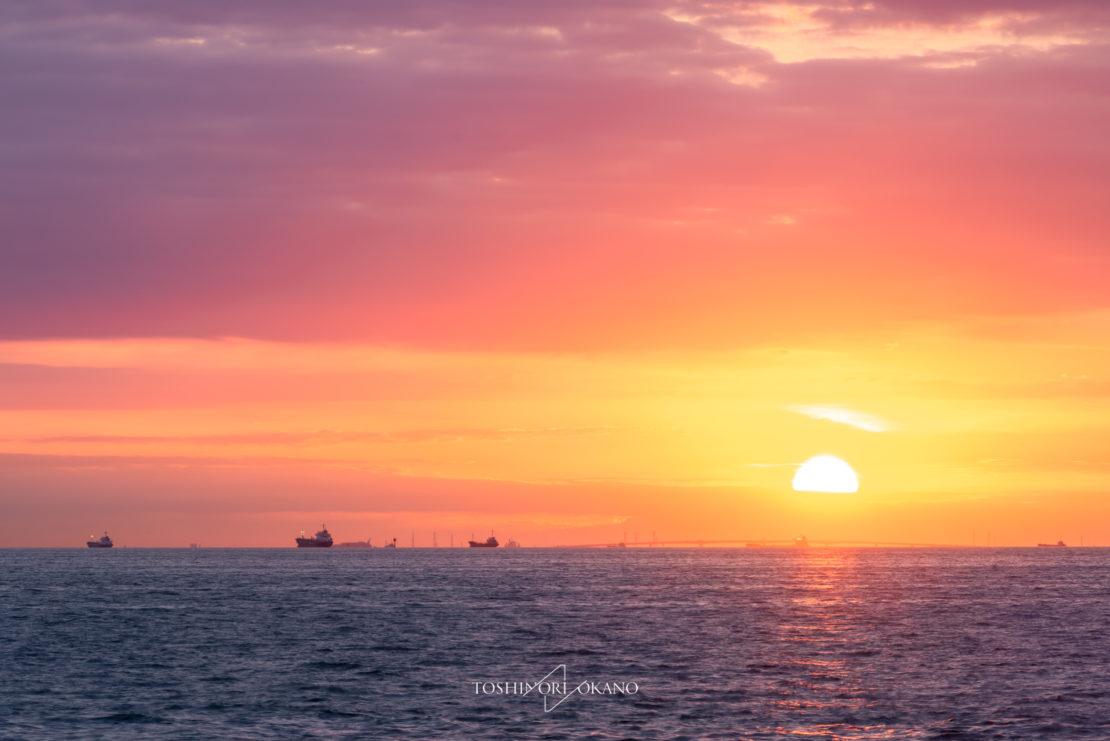 photo 46 Sunrise from Yokohama